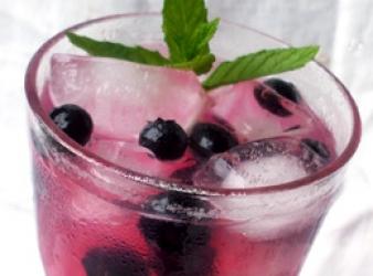 Blueberry Basil Smash